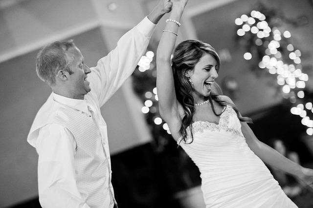 wedding-1605322_640