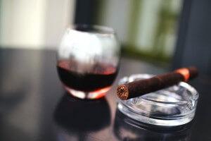cigar-925825_640